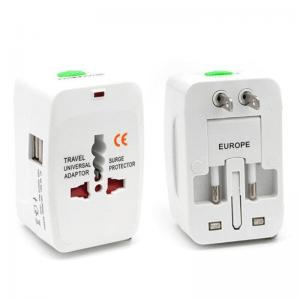 מתאם חשמל אוניברסלי כולל חיבור USB